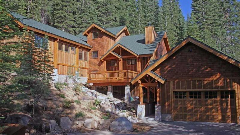 Family Home with view near Squaw Valley, alquiler de vacaciones en Olympic Valley