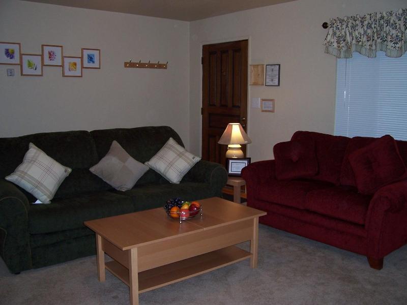 Comfy Cabin for Weekend Getaway, vacation rental in Markleeville