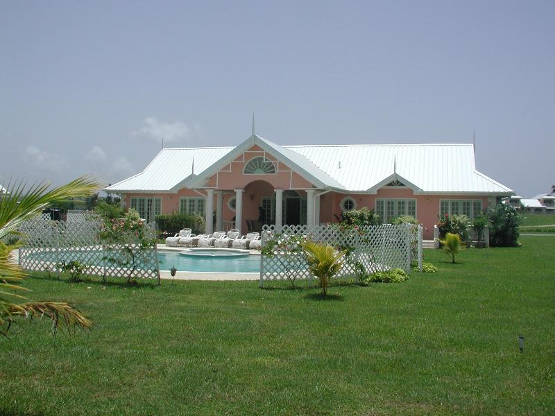 Luxurious Colonial Style  Golf Resort Villa, holiday rental in Trinidad and Tobago