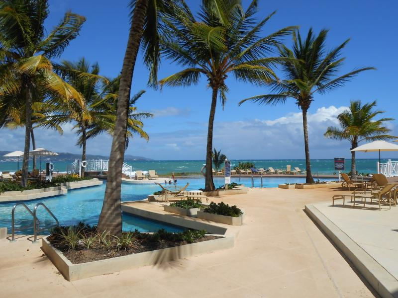 Hotel Beach side Pool