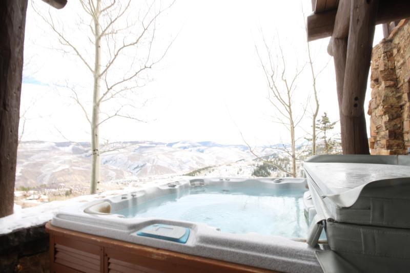 Bachelor Gulch Hottub winter ski in/ski out
