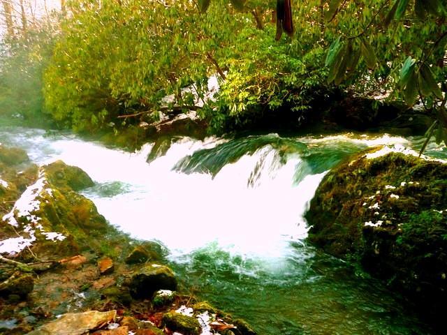 Cascada Río abajo de la cabina