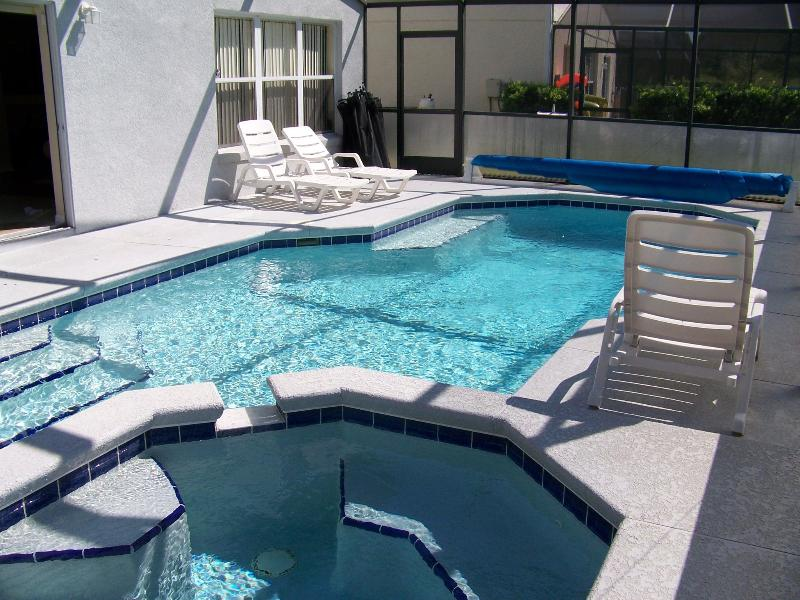 Spacious 4 bedroom with pool/spa, close to Disney – semesterbostad i Lake County