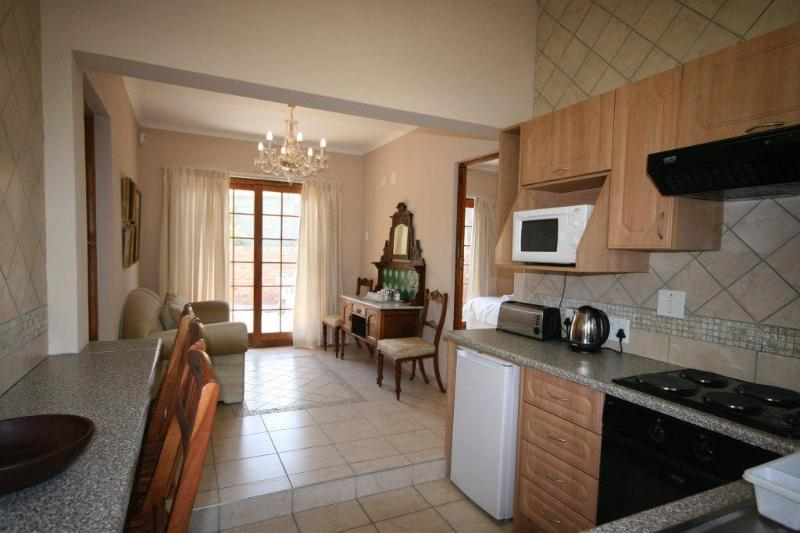 2 Bedroomed Self-catering , Fourways, Sandton, JHB, holiday rental in Lanseria