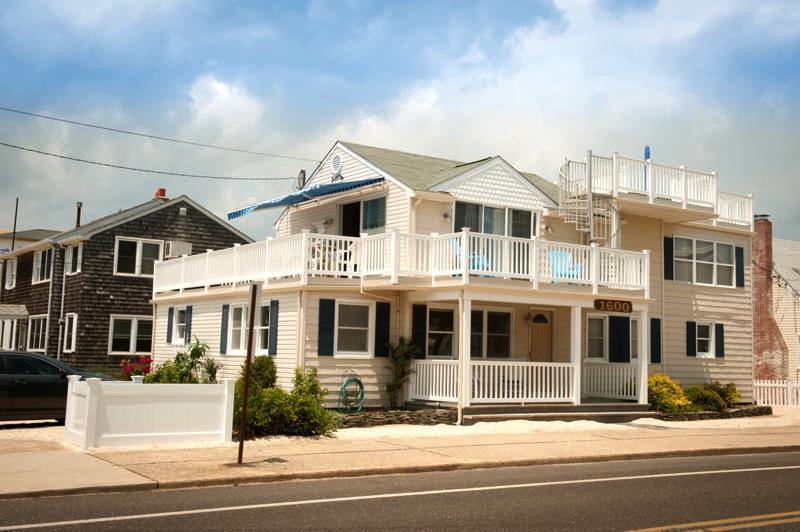 Fishbone - A spacious beach duplex