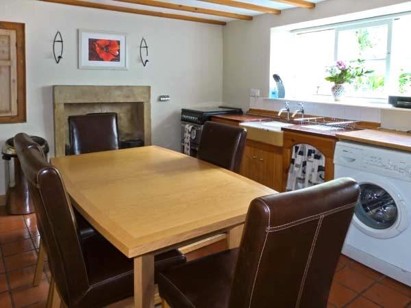 Fully equipped kitchen / dining area, high quality cooking equipment, a home from home!