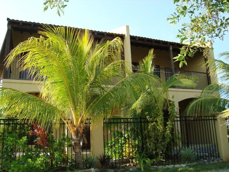 Palms Condo Gatuvy, främre balkong, veranda