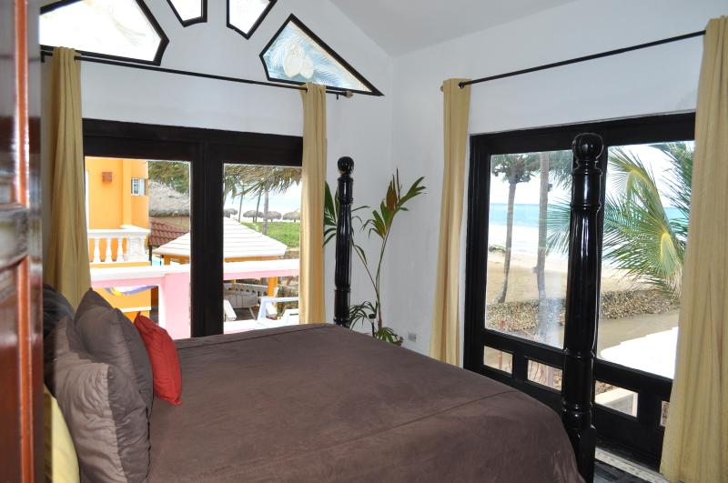 Villa Flamingo King Bedroom