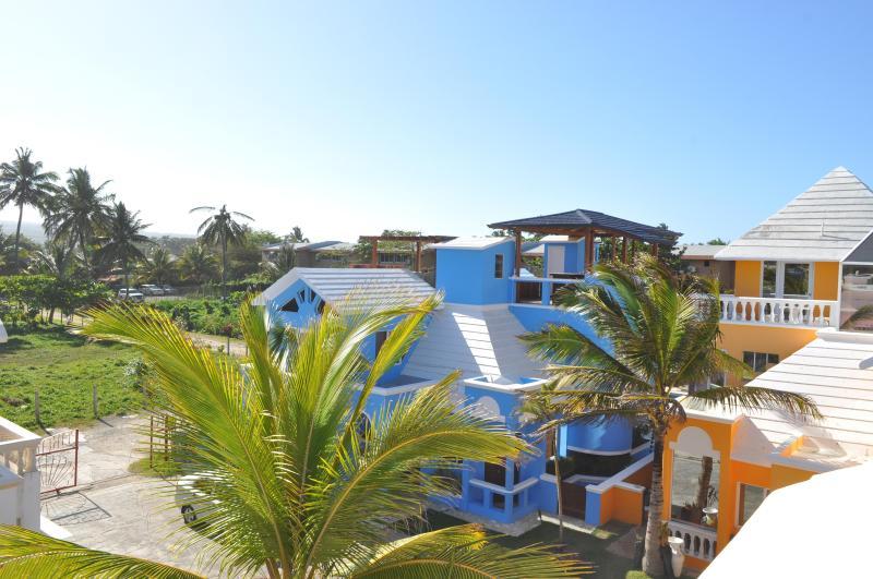 Villa Flamingo Rooftop Deck View Towards Entrance