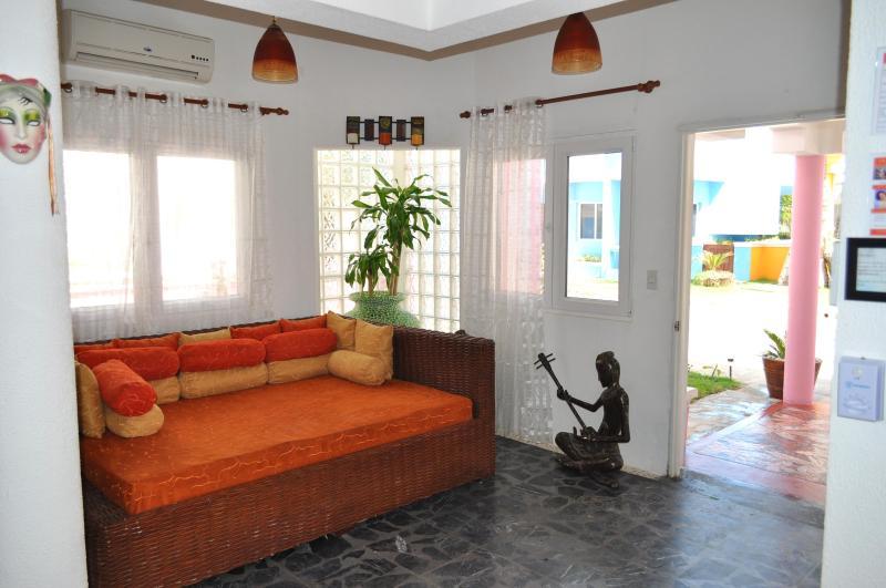 Villa Flamingo Entry Hall