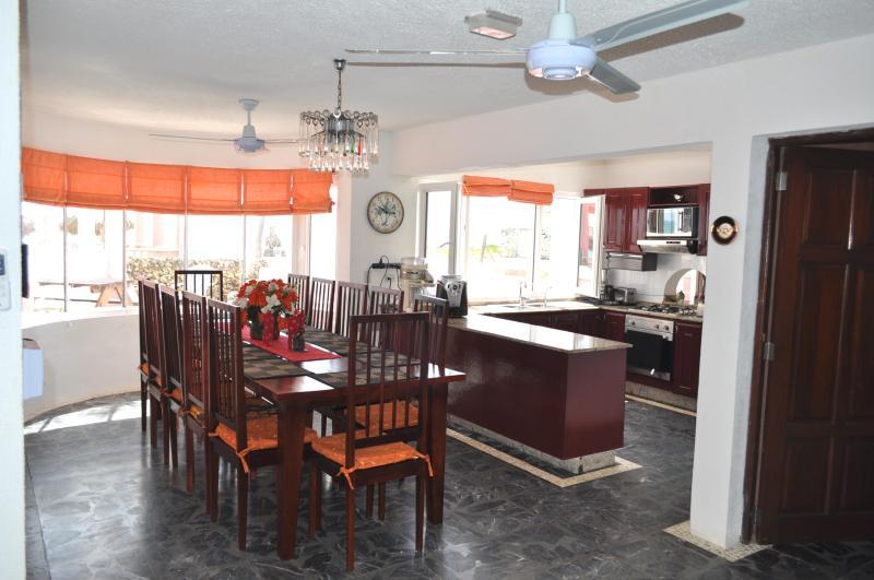 Villa Flamingo Kitchen