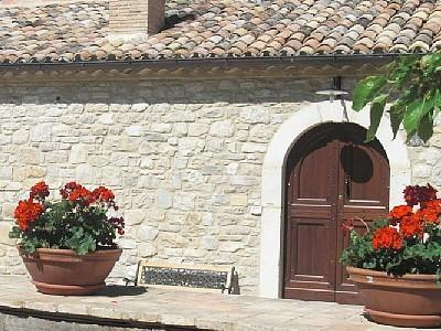Beautiful rustic 1700 farmhouse amidst the green, vacation rental in Province of Chieti