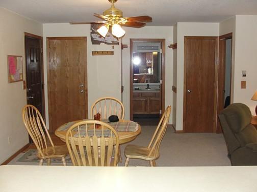 Vista da sala de jantar da cozinha
