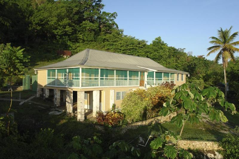 Retreat Plantation House, near Negril, Jamaica, holiday rental in Westmoreland Parish