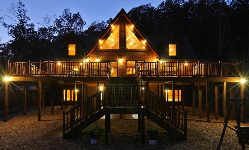 Welcome to Absolute Perfect Escape Cabin #1 Front