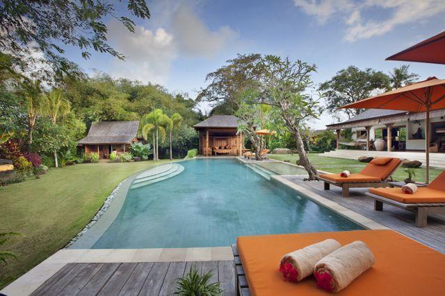 Villa Kavaya 4 Bedrooms, Canggu, Bali, holiday rental in North Kuta