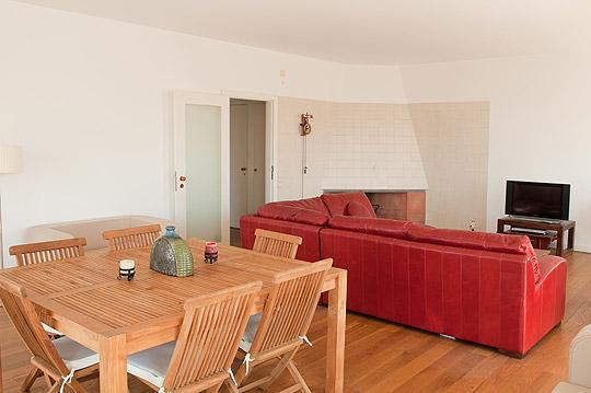 Salle de séjour (salle à manger et un coin salon)