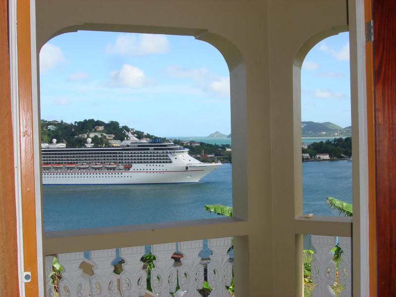 LA MARGUERITE - balcony view