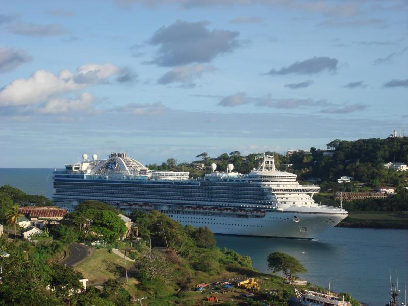 LA MARGUERITE - cruise ships entering the bay