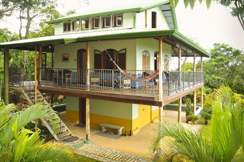 Casa Loma Exterior