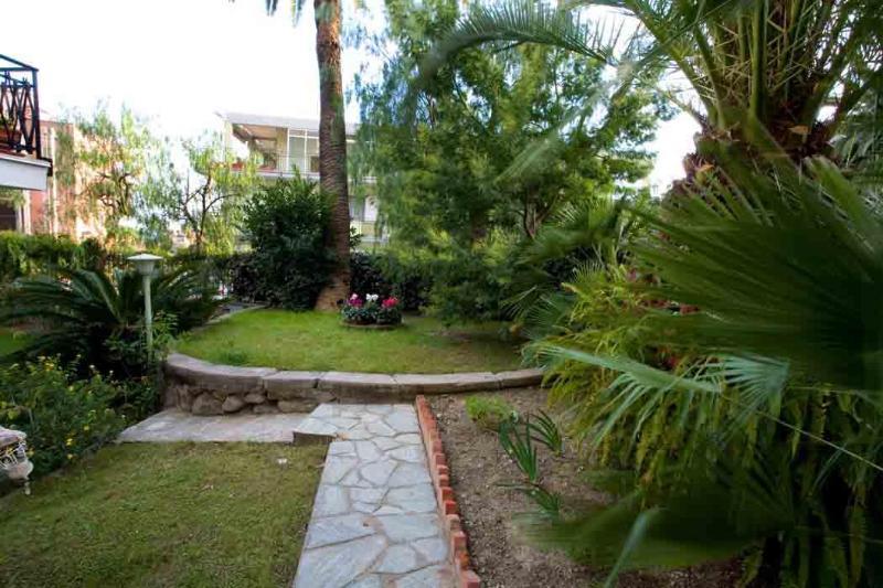 Private garden west