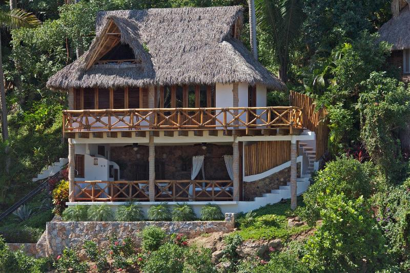 Casa Coco is perfect to house a family or two couples