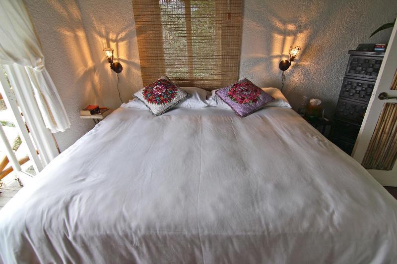 King bed inside Casa Nido
