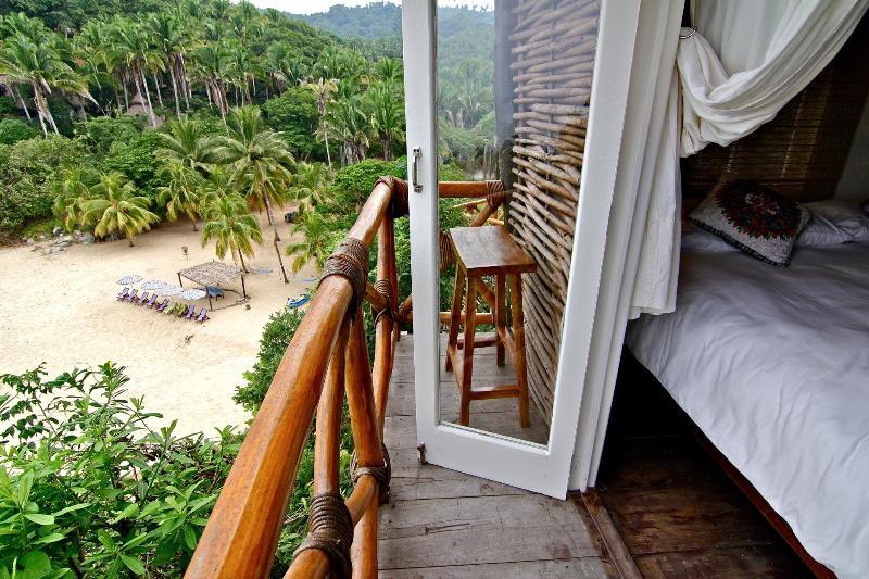 The Casa Nido deck over the beach