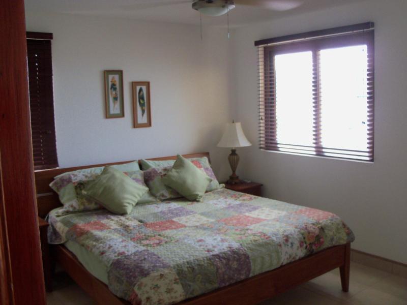 Maestro - cómoda cama doble - habitación con vista al mar