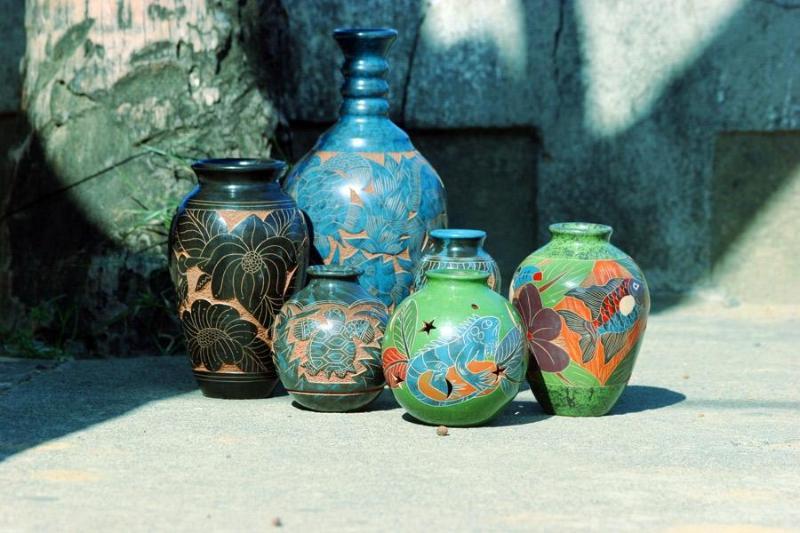 Una pequeña muestra de la cerámica para la venta en San Juan Del Sur