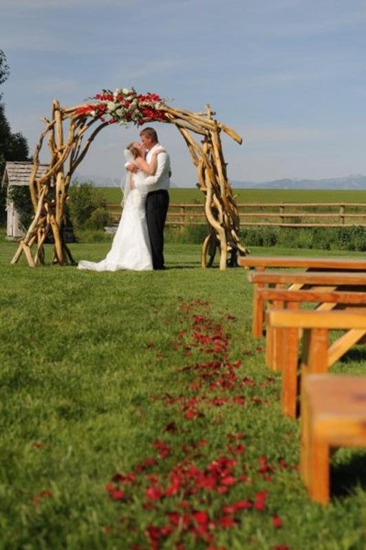 wedding in north meadow