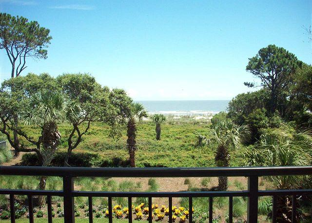 Ocean One 321 - Oceanfront Condo - Renovated Bathrooms in 2017, vacation rental in Hilton Head