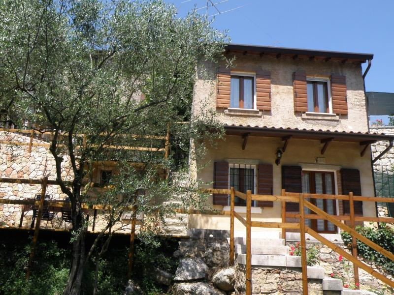 Romantic House in Valpolicella: Between Art & Wine, alquiler vacacional en Bure