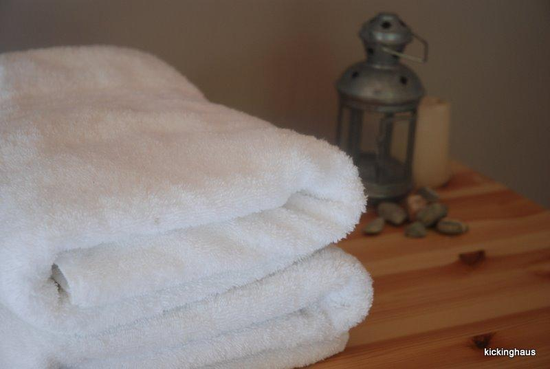 plenty of fresh linens and towels our guests