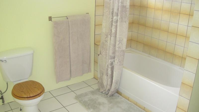 Large micro-fiber bath sheets, solar hot water & a full size bath tub and shower.