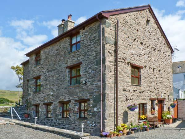 RACESIDE COTTAGE, pet friendly, country holiday cottage, with a garden in, holiday rental in Millom