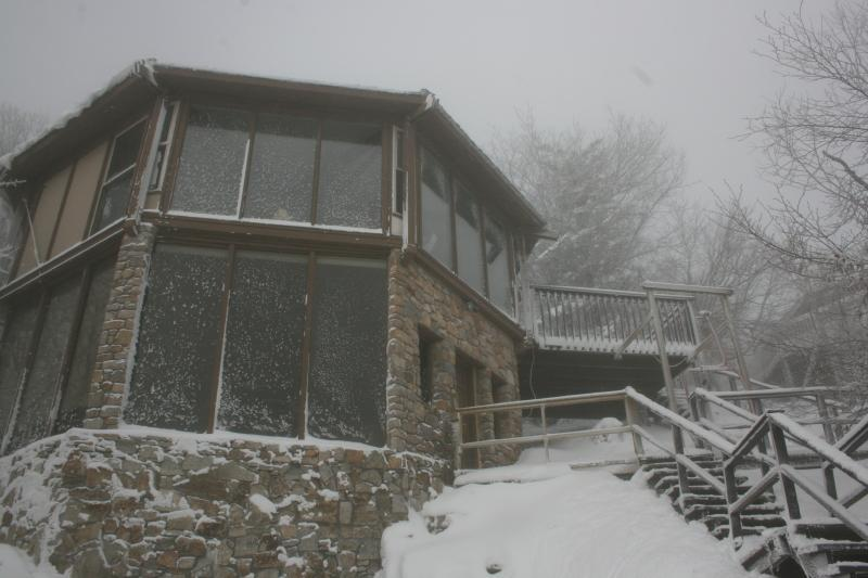 Aspen Ski Loft at Beech Mountain in Winter - 50 Steps From the Ski Slopes!