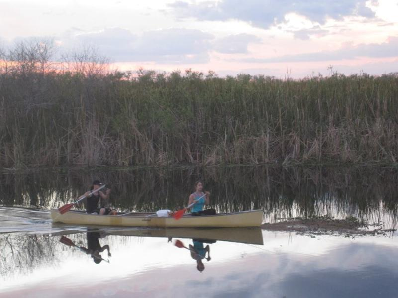 """The River of Grass"", Everglades National Park is een twintig minuten rijden ten westen"