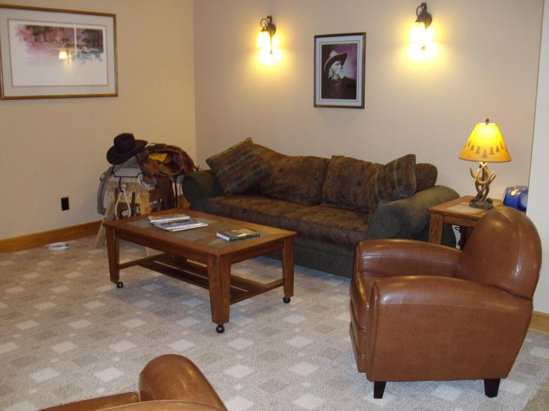 Spacious Living Room w/ Sofa and 2 Leather Club Chairs