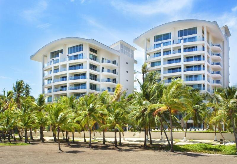 Oceanfront Penthouse, Million $$ View - 4BR/4.5BA, location de vacances à Jaco