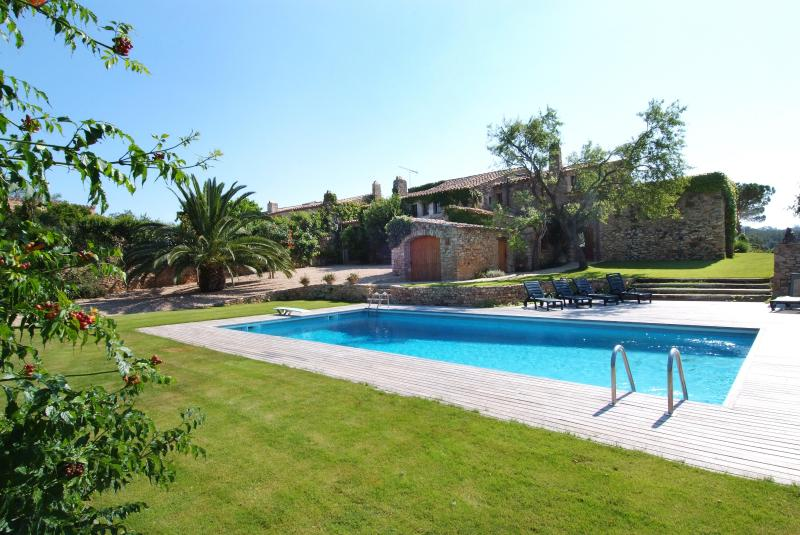 Gorgeous 17 Century country house with max comfort, vakantiewoning in Begur