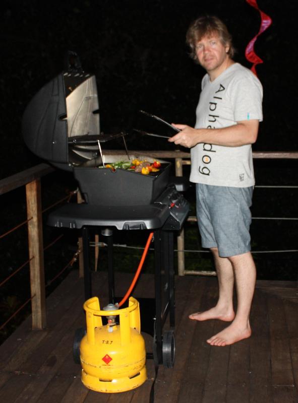 Bar-b-que / gas grill tillgängliga för gäster användning