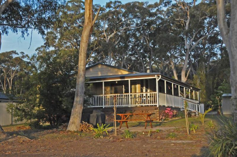 Bush & Bay Cottage is surrounded by Australian Gum Trees backing on Jervis Bay National Park