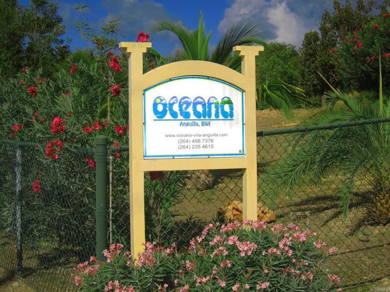 Cartello di ingresso a Oceana