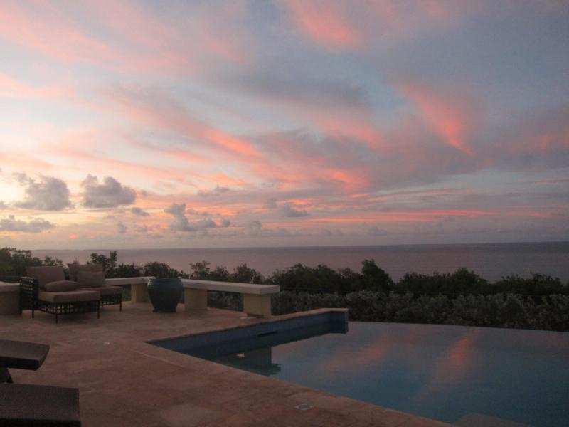 Gorgeous sky over Oceana pool