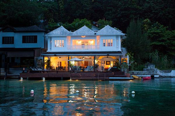 Mamiti Blue - San San, Port Antonio 5 Bedrooms, holiday rental in Long Bay