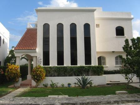 Casa Price Street View