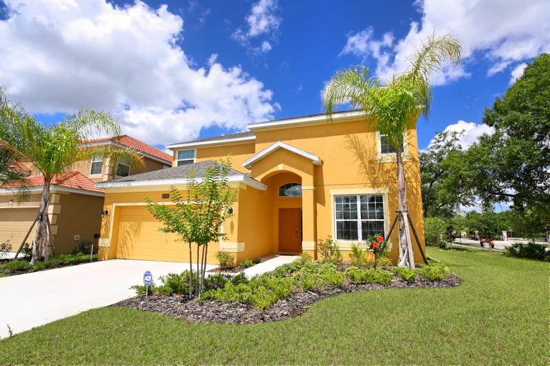 4 Bed Pool Home