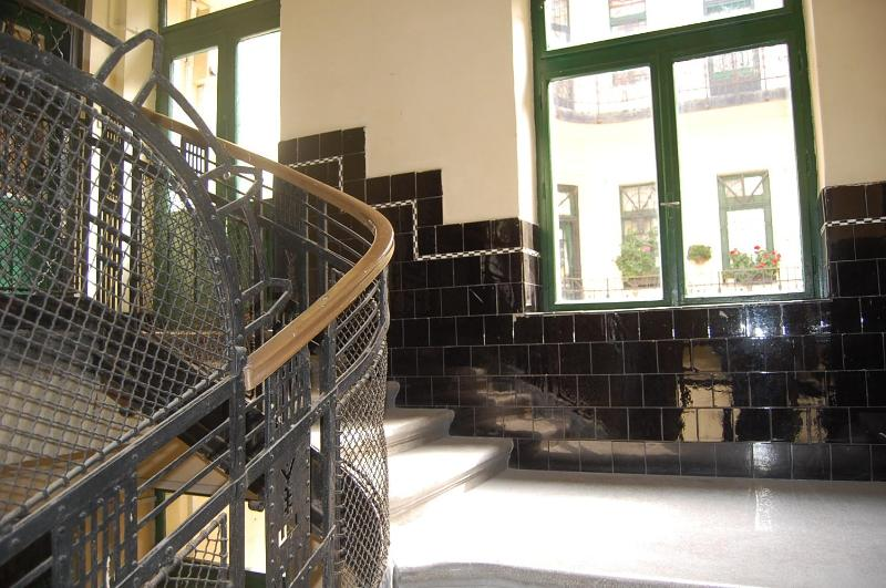 the original stairs from 1906