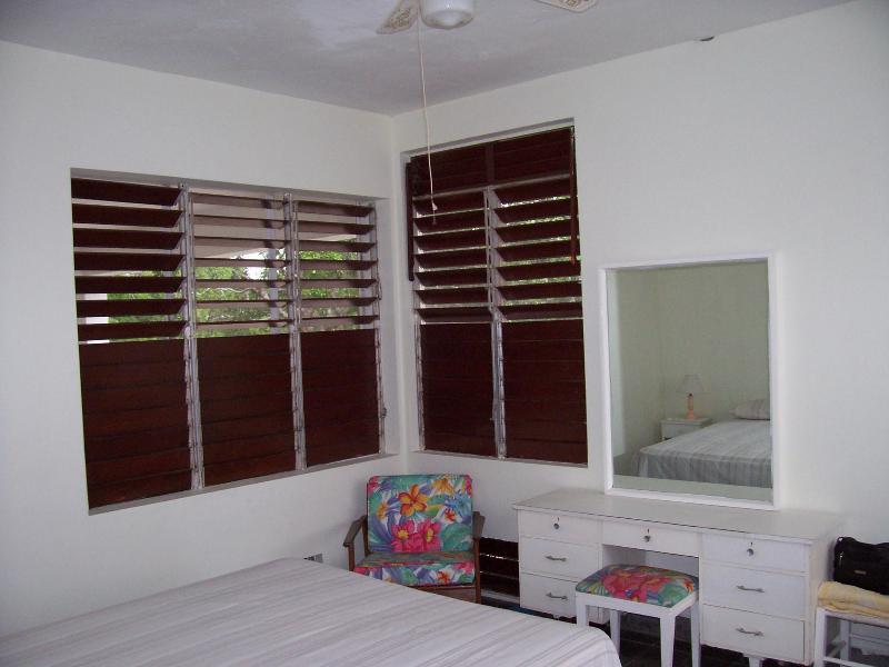 Second view of main bedroom (bathroom ensuite)
